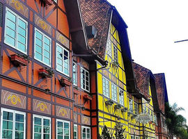 Tour Blumenau e Brusque Cultural e Compras